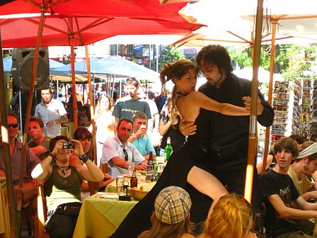 Live tableside tango in La Boca