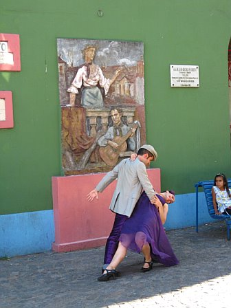 Spontaneous tango? Only in La Boca.